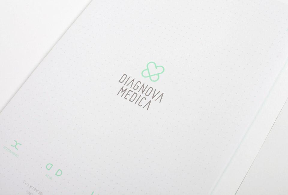 Diagnova Medica papeleria 3. Pixelarte estudio de diseño gráfico, creatividad y web.