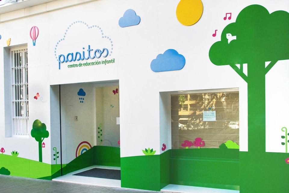 Pasitos, fachada. Pixelarte estudio de diseño gráfico, creatividad y web.