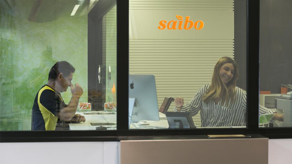 12-pixelarte-estudio-diseno-grafico-rotulacion-oficinas-signage-Saibo-recepcion-mercancias