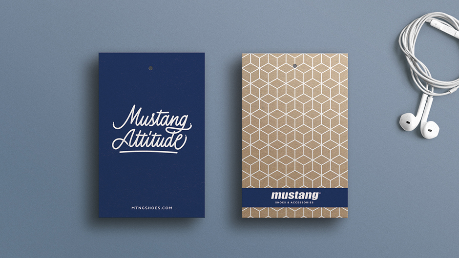 Pixelarte-estudio-diseno-etiquetas-calzado-Mustang-Attitude
