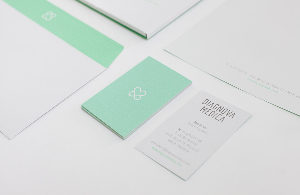 Diagnova Medica papeleria 14. Pixelarte estudio de diseño gráfico, creatividad y web.